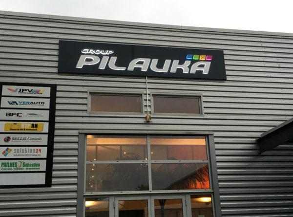 Group Pilauka enseigne lumineuse Montpellier