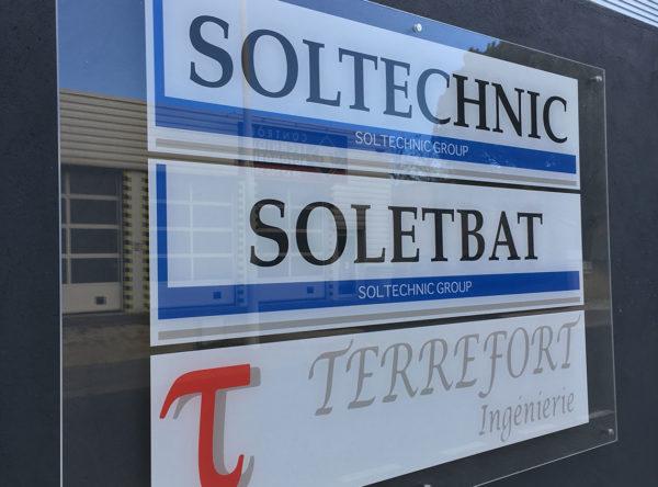 Soltechnic signalétique plaque plexiglas